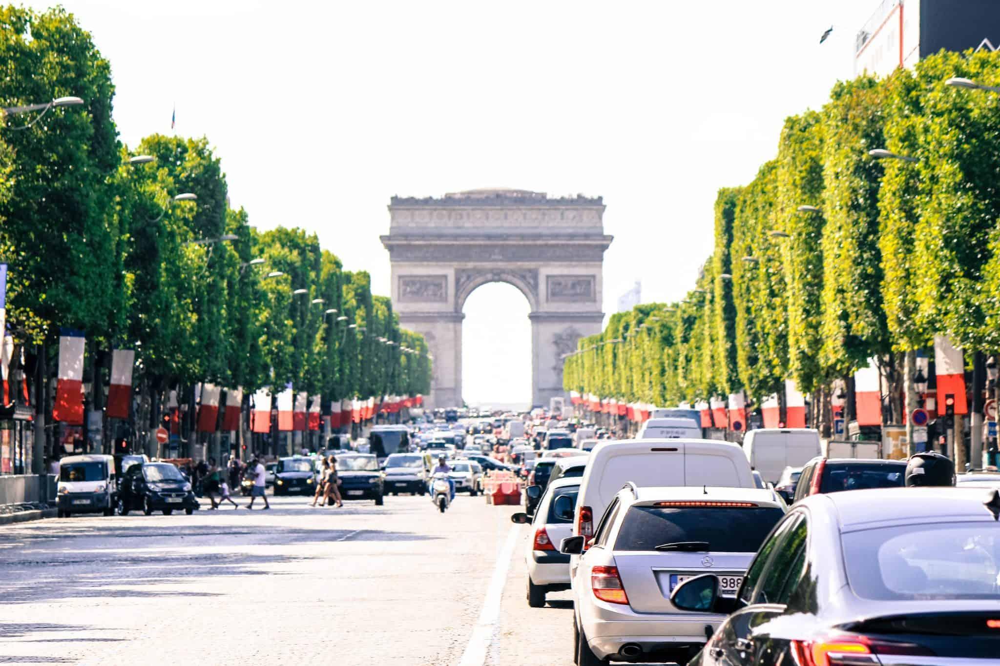 Champs-Elysées, Arc de Triomphe, best time to visit paris, best time to travel to Paris, best time of year to visit paris, attractions in Paris,best time to visit paris france, things to do in Paris, paris 3 days itinerary