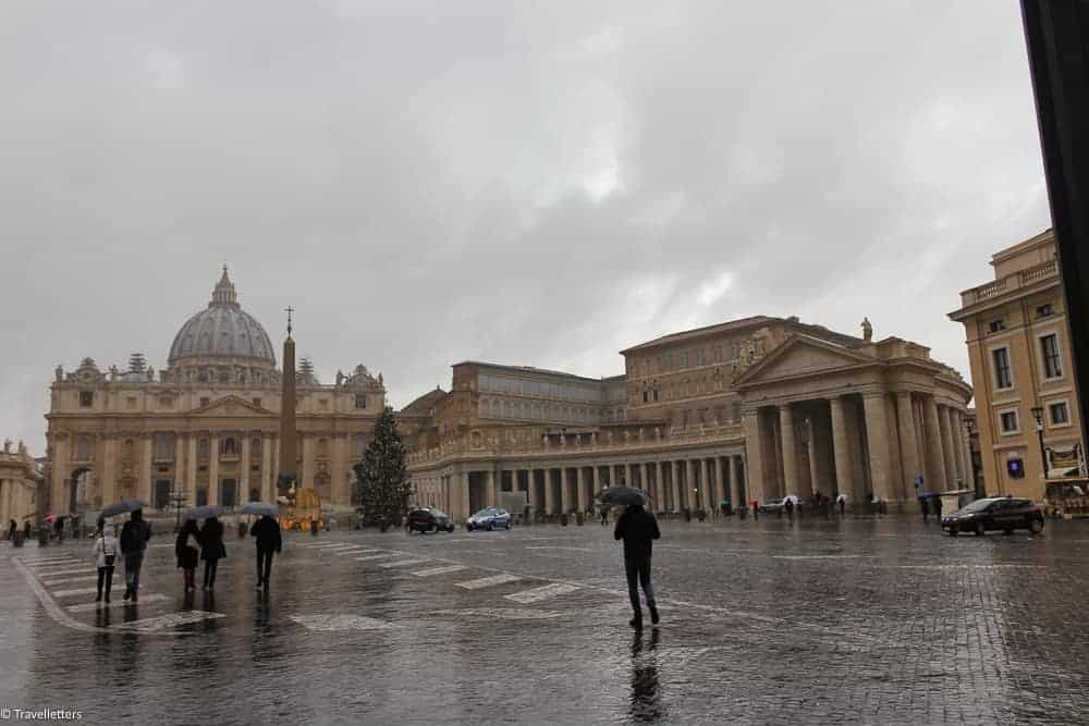 The Vatican City, St. Peters Basilica, St. Peter's Square, things to do in Rome, St. Peter's Square, St. Peter's Dome in Rome, visit Rome in winter, Rome in winter, winter in Rome, Vatican city, 2-3 days Rome itinerary