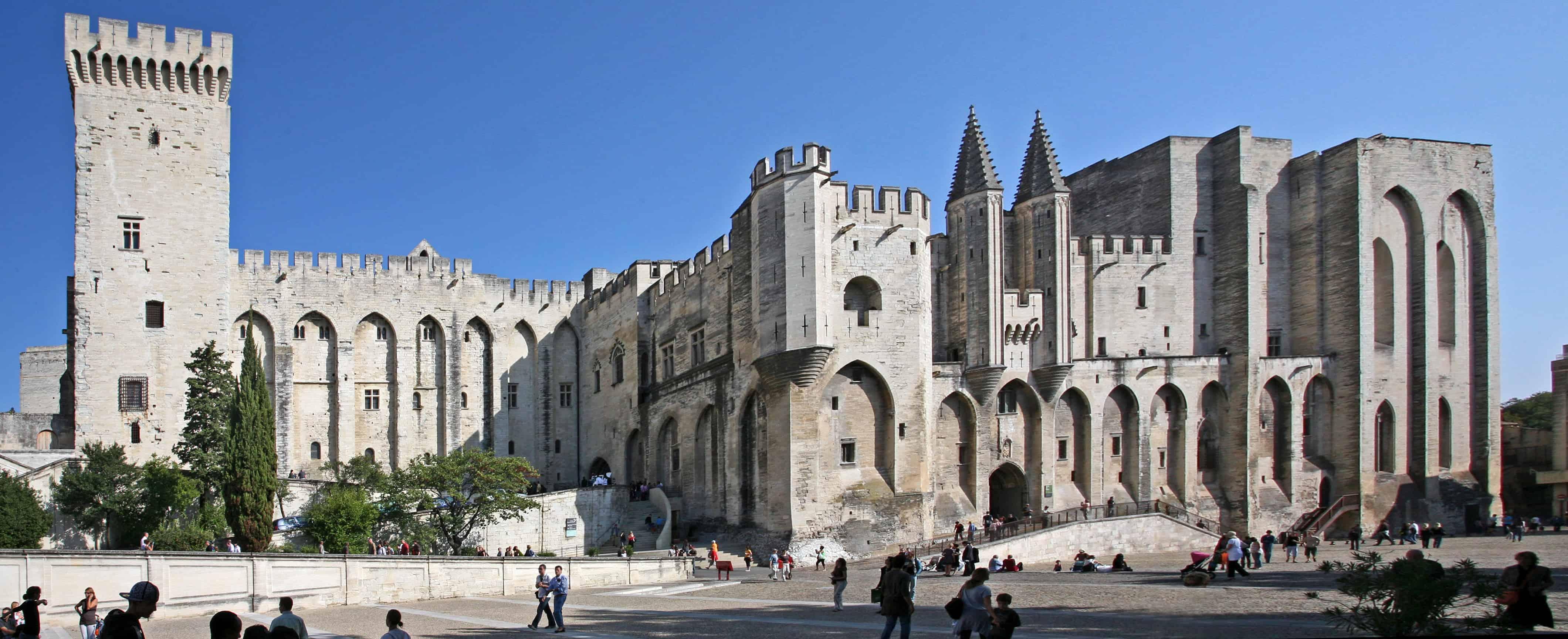 Pope's Palace in Avignon, Lavendel i Provence, Aix-en-Provence, romantisk tur til Provence, ting å gjøre i Provence, langhelg i Provence, weekendtur til Provence, ferie i Provence, dagsturer fra Aix-en-Provence
