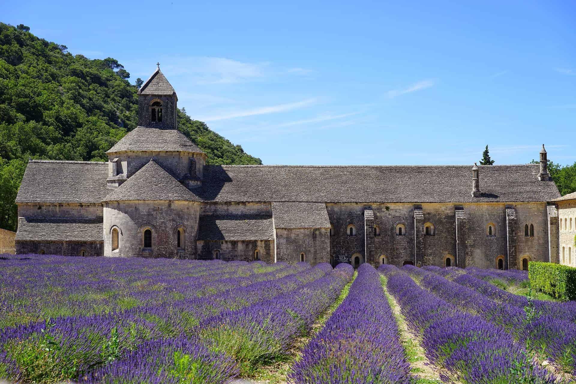 Munkekloster - Abbaye De Senanque i Provence, Lavendel marked i Provence, Lavendel i Provence, Aix-en-Provence, romantisk tur til Provence, ting å gjøre i Provence, langhelg i Provence, weekendtur til Provence, ferie i Provence, ting å gjøre i Provence, lavendel i Provence