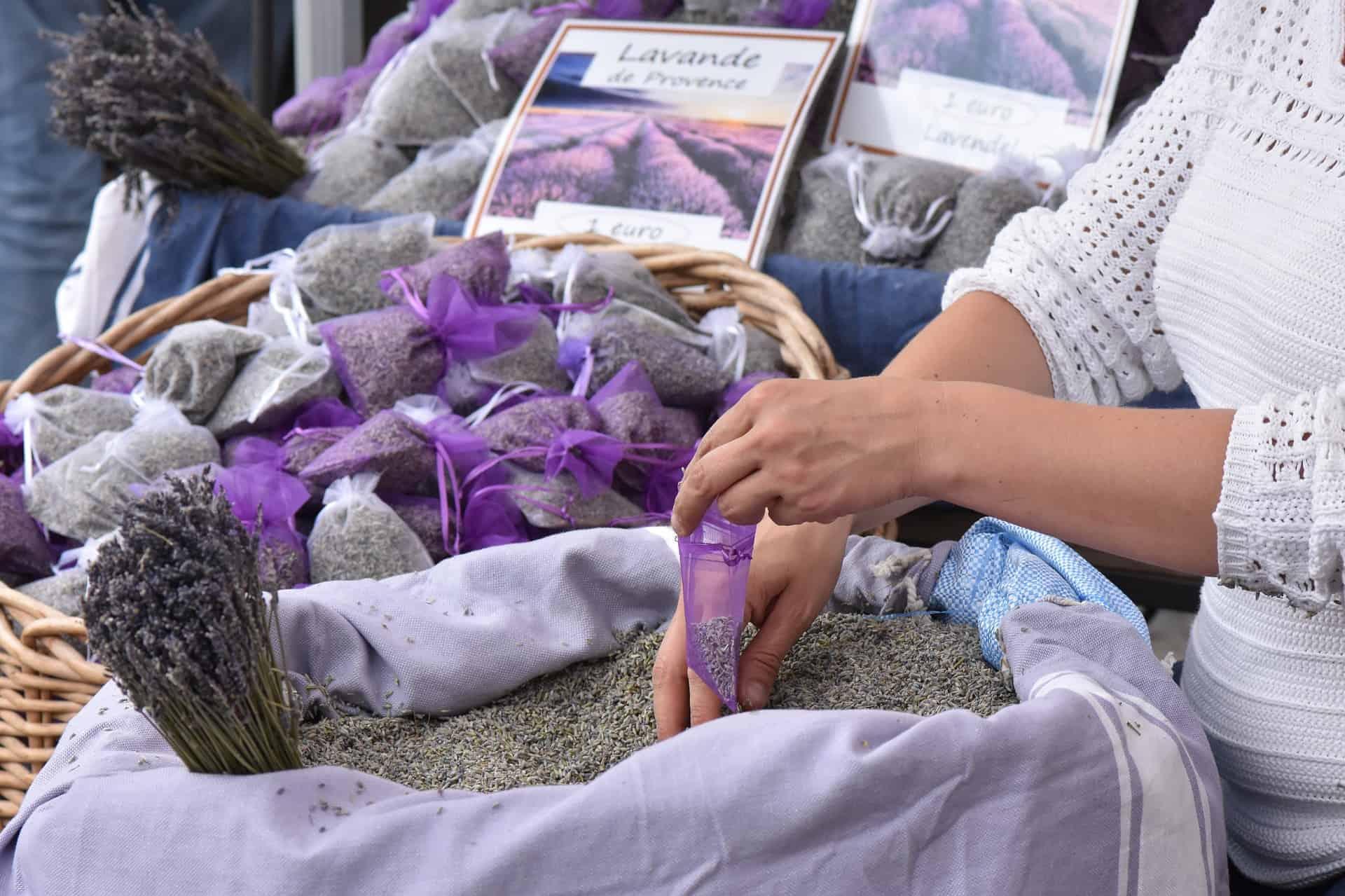 Lavendel marked i Provence, Lavendel i Provence, Aix-en-Provence, romantisk tur til Provence, ting å gjøre i Provence, langhelg i Provence, weekendtur til Provence, ferie i Provence, ting å gjøre i Provence, lavendel i Provence