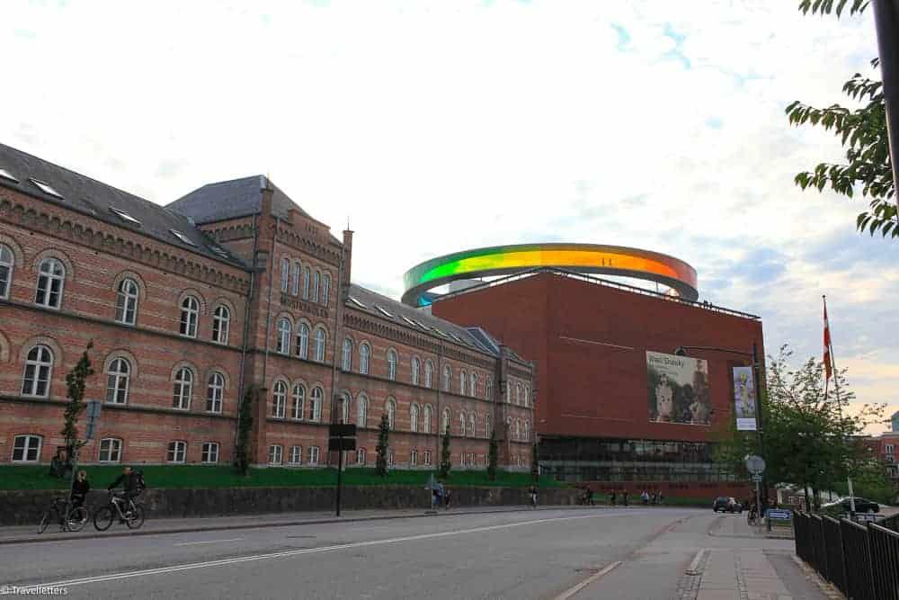 ARoS museum i Aarhus, ting å gjøre i Aarhus, storbyferie i europa, langhelg i europa, storbyweekend i europa, danmark, europeisk storby, helgetur til europa, storby i europa, kjærestetur til europa, jentetur til europa
