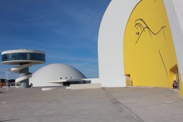 Asturias, Spania, Oviedo, Aviles, kunstsenteret Centro Niemeyer
